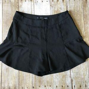Ellison Ruffle Hem Shorts